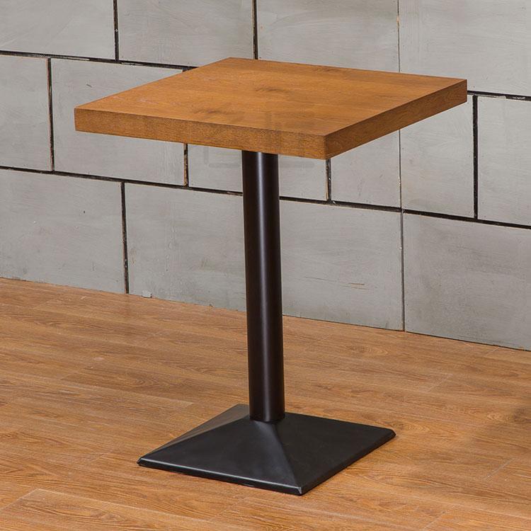 wooden table restaurant
