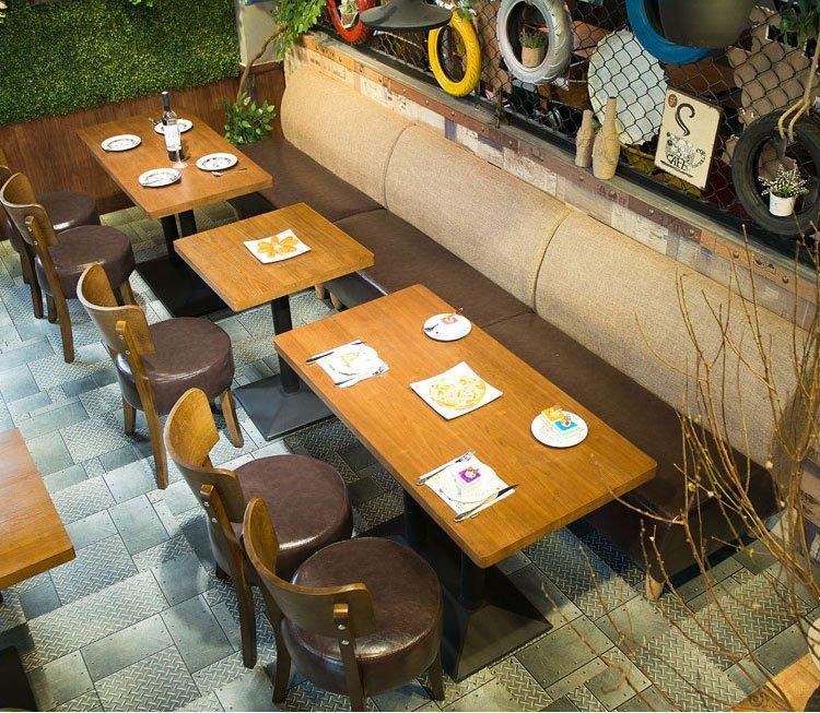dining table set for restaurant