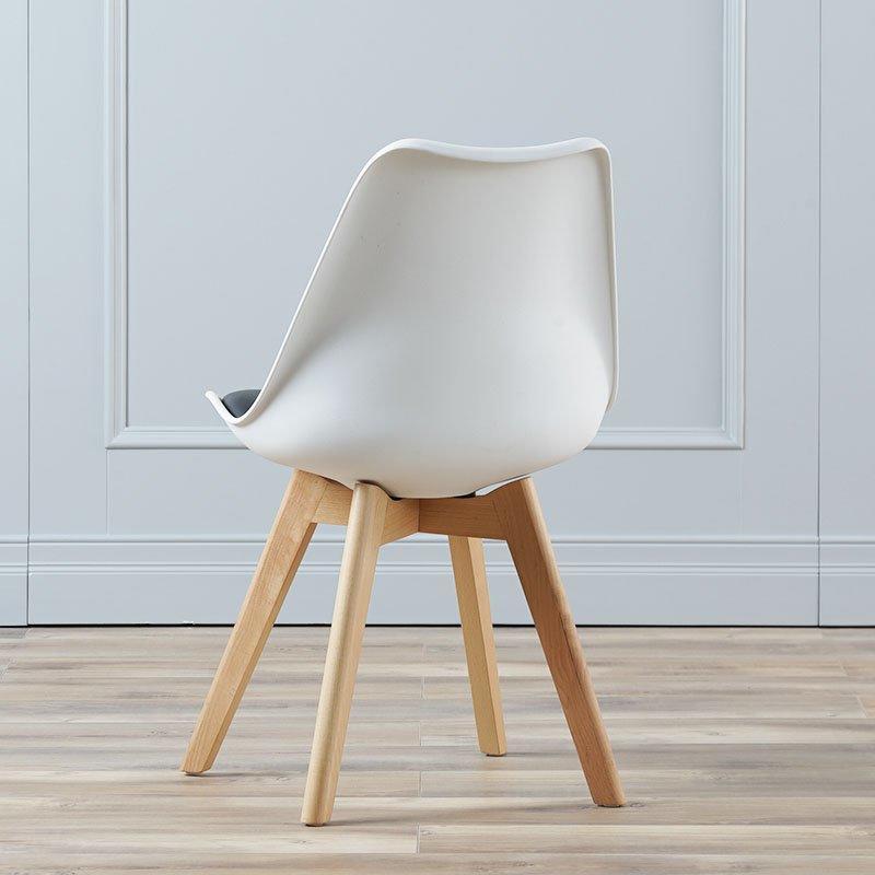 Modern Eames Chair Restaurant Plastic Chair With Soft Mat CD003